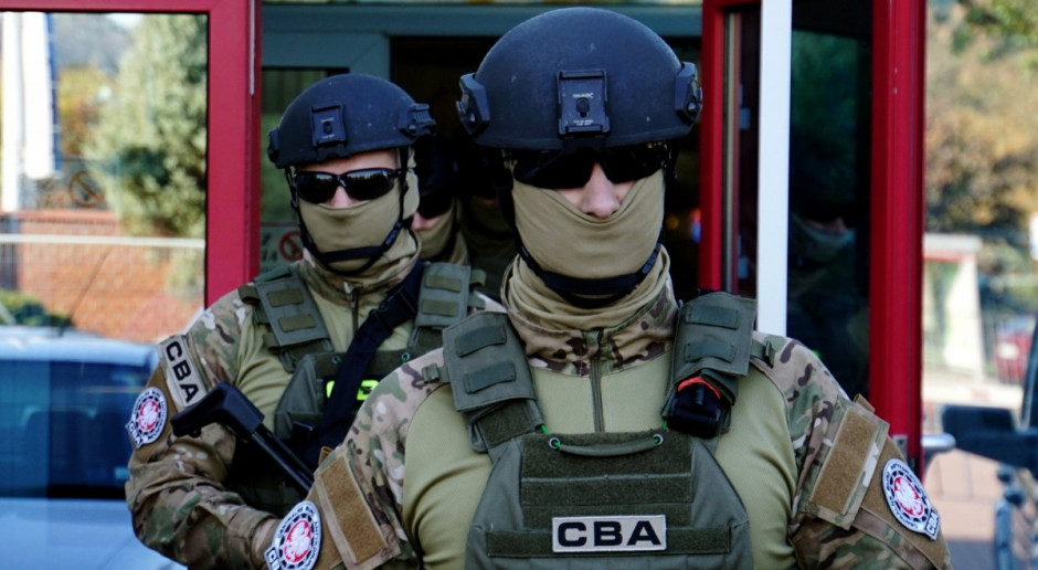 Syn prezesa NIK zatrzymany przez CBA. Wracał z urlopu
