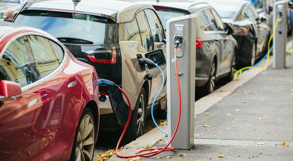 Licznik elektromobilności wciąż bije w Polsce niezwykle ślamazarnie
