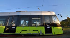 Tramwaje Śląskie odebrały pierwszy nowy 32-metrowy wagon