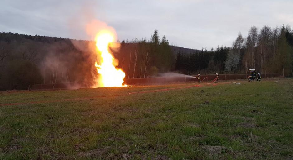 Ok. 40 tys. litrów wody zmieszanej z ropą wypłynęło z ziemi w Sękowej