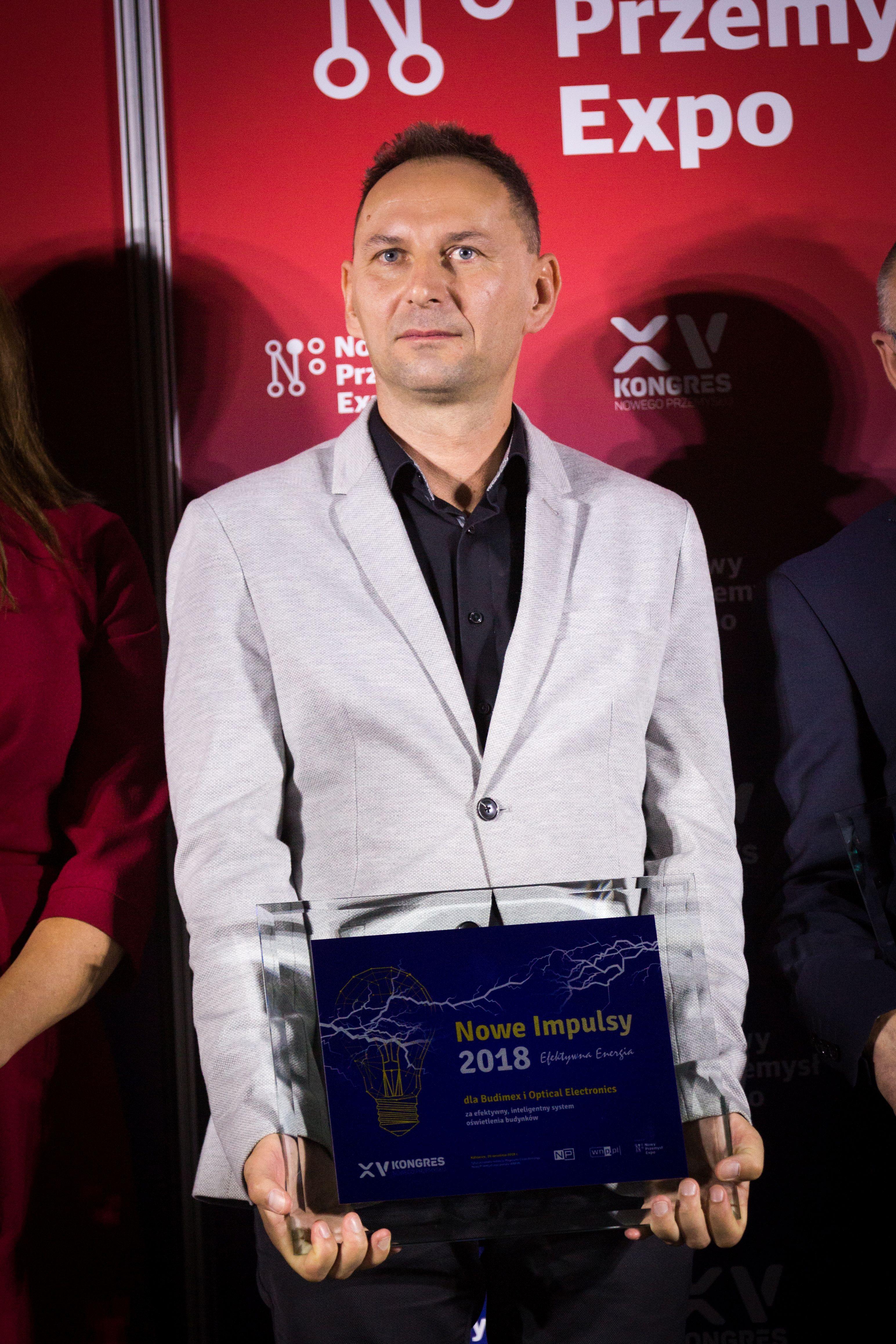 Michał Zaród z nagrodą Nowy Impuls 2018 (fot. PTWP)