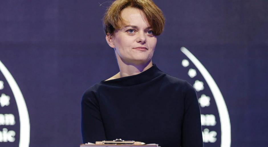 Jadwiga Emilewicz oczekuje, że wstrzymanie pracy części surowcowej krakowskiej huty będzie czasowe