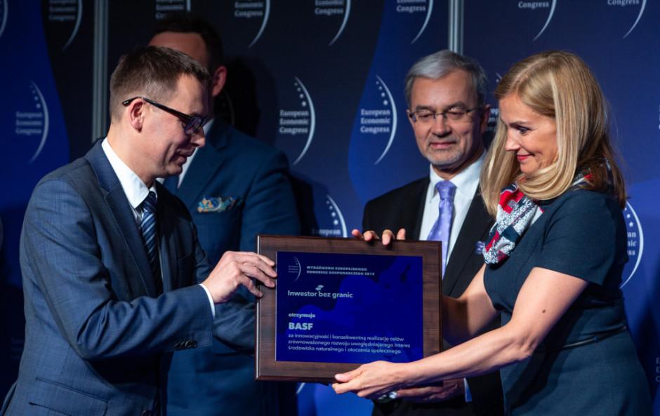 Koncern BASF otrzymał wyróżnienie za innowacyjność i konsekwentną realizację celów zrównoważonego rozwoju uwzględniającego interes środowiska naturalnego i otoczenia społecznego.