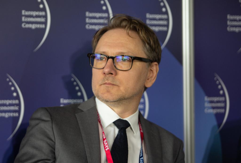 Sebastian Płóciennik: brexit spowoduje przesunięcie Unii Europejskiej w stronę większej roli państwa w gospodarce. Fot. PTWP