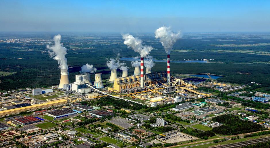 Nietypowy protest aktywistów Greenpeace Polska w elektrowni Bełchatów