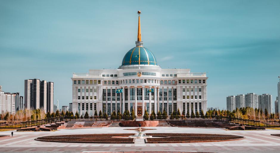 #TydzieńwAzji: Czy prezydent Tokajew zwycięży z internetem?