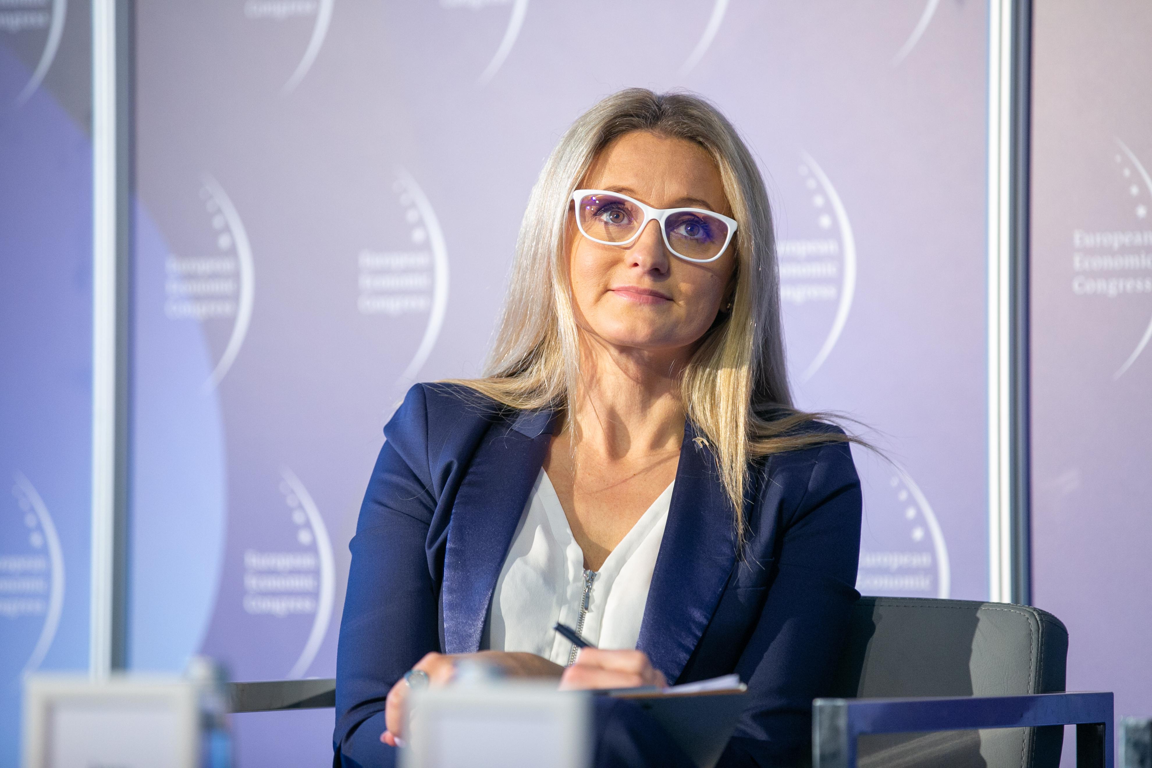 Anna Ziobroń, dyrektor, PKN ORLEN SA