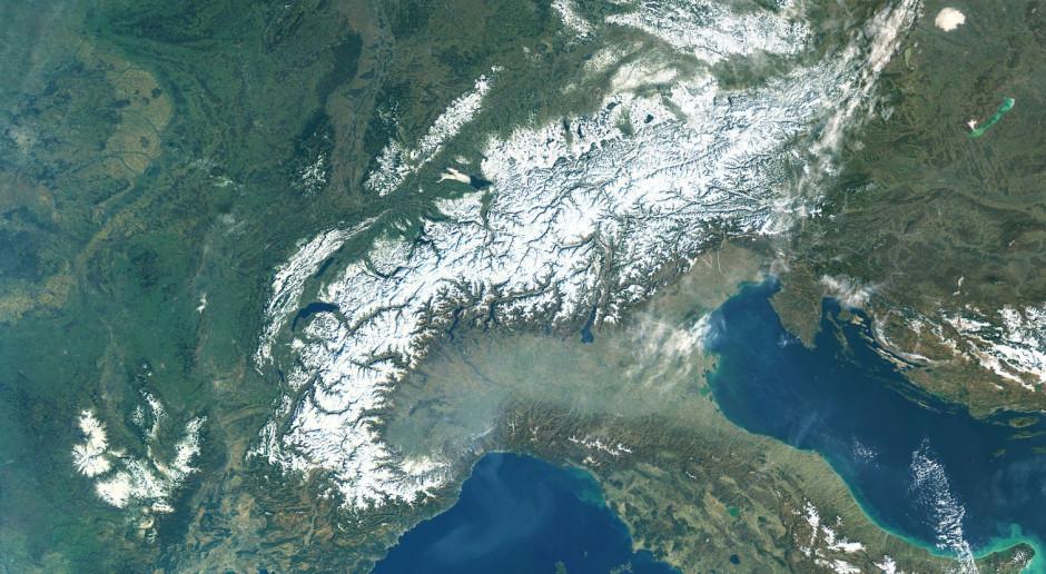 Włochy: Zmiany na mapie pandemicznej: 16 regionów pomarańczowych, 4 czerwone