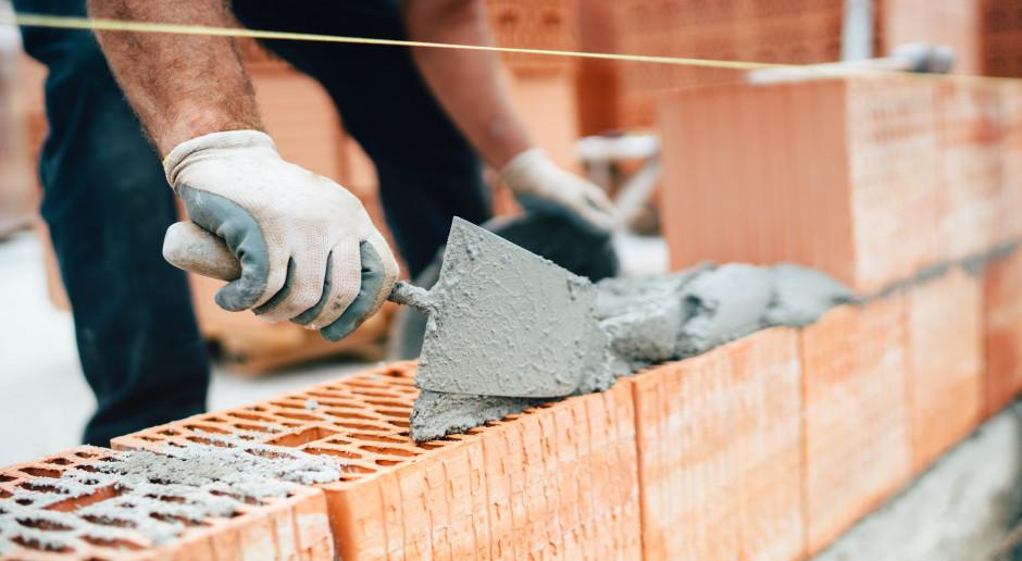 Budownictwo na minusie większym od oczekiwań. W mieszkaniówce mniej nowych inwestycji