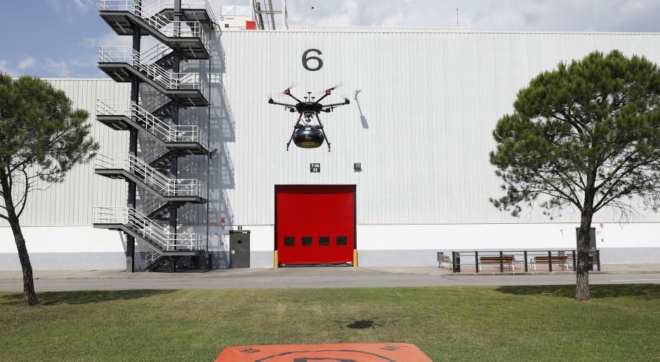 Seat wysyła kierownice dronem. Wygląda to niesamowicie