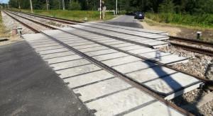 Kolejarze wydadzą miliony na przejazdy kolejowo - drogowe
