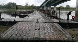 Most pontonowy przez Wisłę w Warszawie już gotowy
