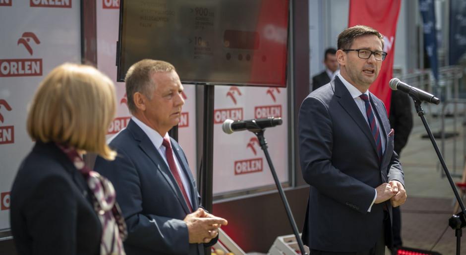 Firmy paliwowe dają Polsce coraz więcej miliardów a ma być jeszcze lepiej