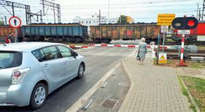 Żółte naklejki na przejazdach pomogły uniknąć kilkudziesięciu wypadków