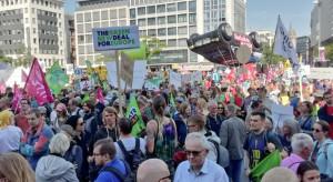 Niemcy nie chcą samochodów. Wielotysięczna demonstracja przeciwników aut i silników spalinowych