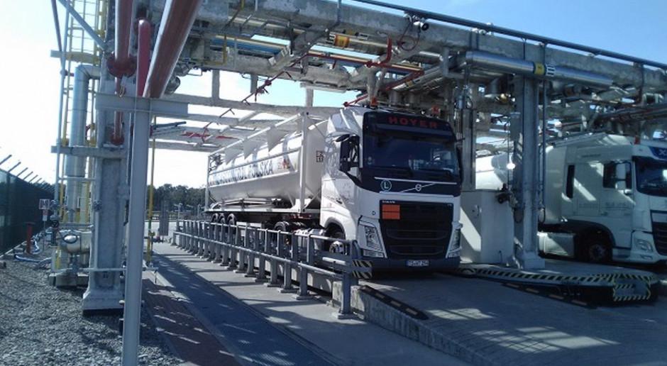Umowa na projekt i montaż dodatkowych regazyfikatorów w terminalu LNG