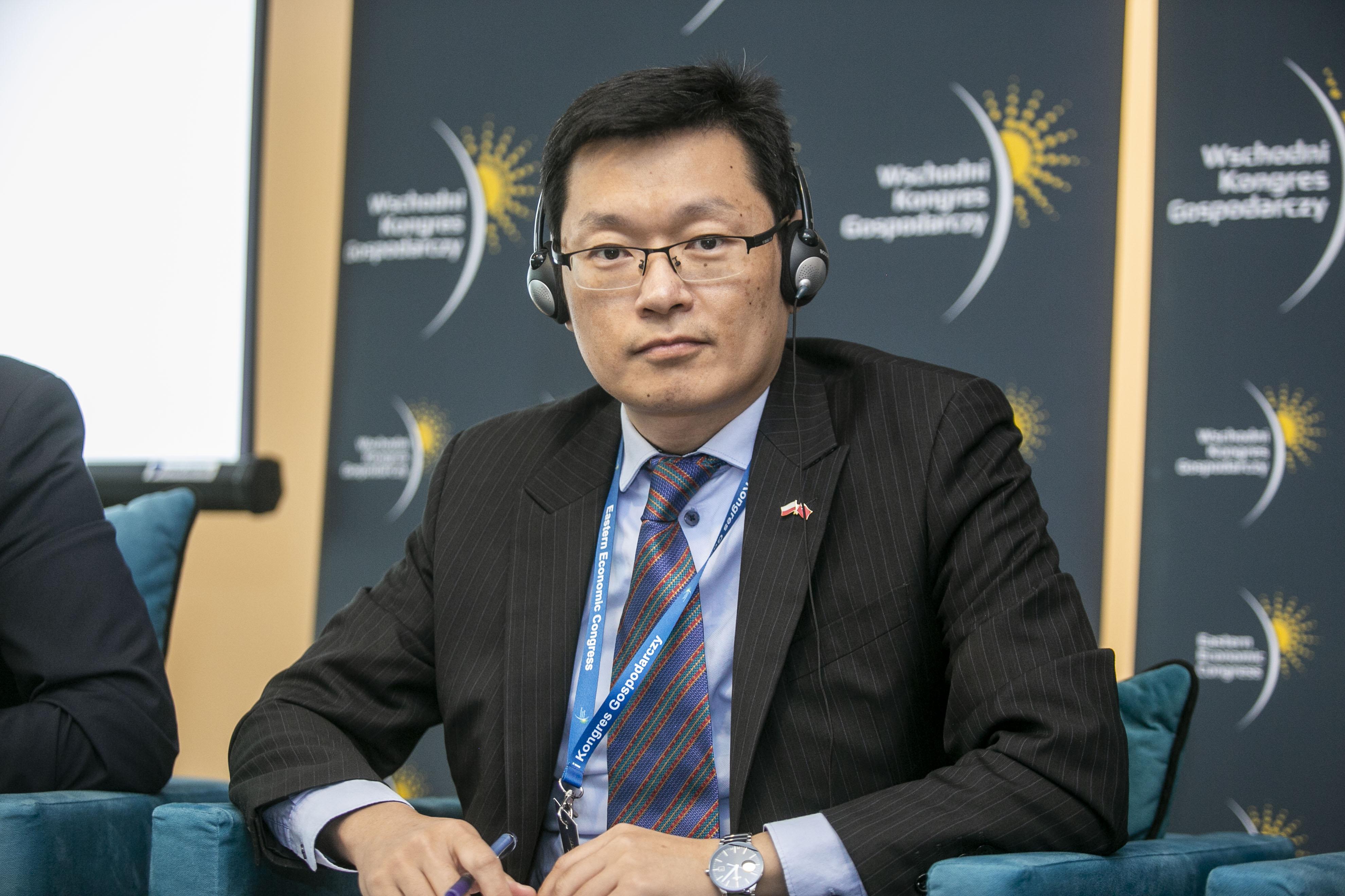 Hao Wang, I sekretarz handlowy ambasady ChRl w RP.