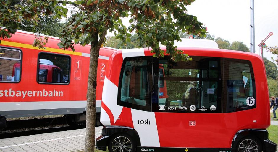Koleje niemieckie rozszerzą dowóz pasażerów do stacji autonomicznymi busami