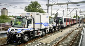 Dwa samochody wyciągną spod ziemi 200-tonowy pociąg metra