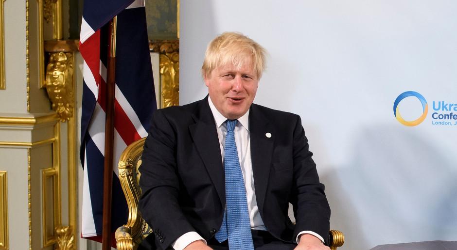 Królowa powierzyła Johnsonowi misję stworzenia brytyjskiego rządu
