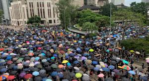W czasie protestów używają aplikacji trudnej do namierzenia