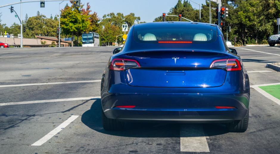 Tesla wstrzymuje produkcję Modelu 3