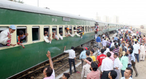 Egipt: 97 rannych w katastrofie pociągu