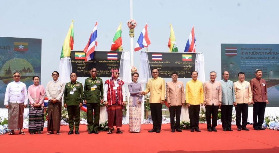 Most Przyjaźni połączył Birmę z Tajlandią. Może odmienić ich handel