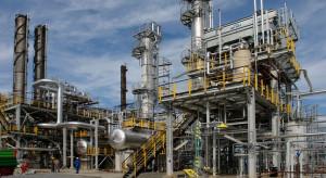Największy regionalny rywal Orlenu aktualizuje strategię, chemia coraz ważniejsza