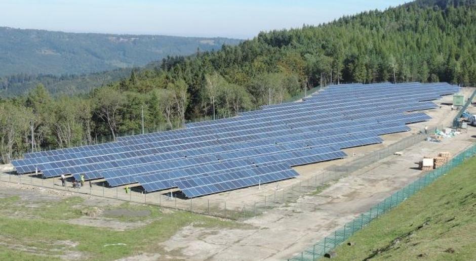 PGE buduje magazyn energii obok farmy fotowoltaicznej na górze Żar