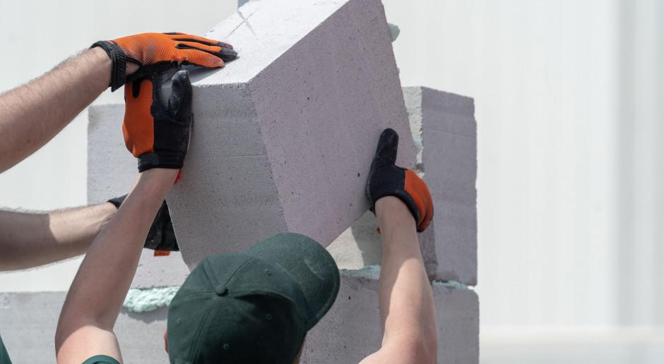 Zadłużenie deweloperów i firm budowlanych wyhamowało