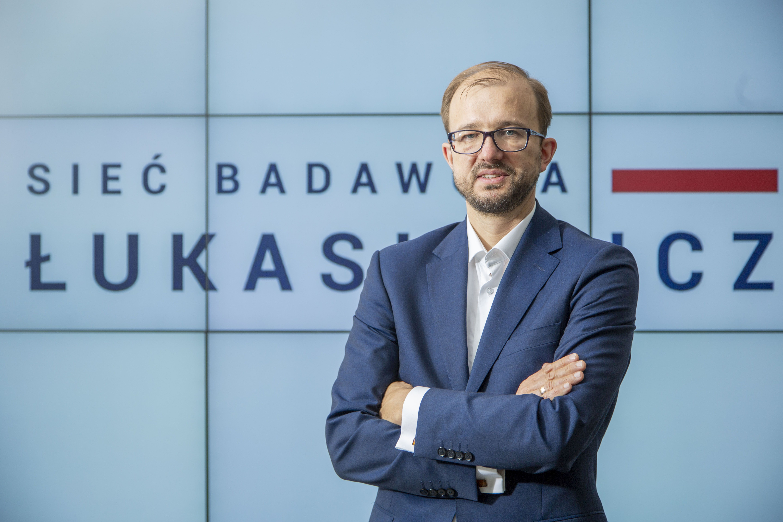 Piotr Dardziński liczy, że za 5-6 miesięcy gotowe będą wersje próbne nowych testów na koronawirusa (fot. PTWP / Piotr Waniorek)