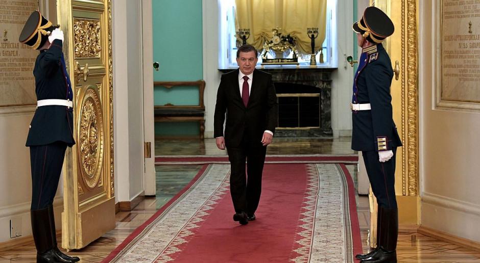 """""""Uzbecki Gorbaczow"""", bo tak niektórzy nazywają Mirzijojewa, najwyraźniej również chce dokonać przemian na Nowym Jedwabnym Szlaku. fot kremlin ru/Wikimedia,licencja CC By 2.0"""