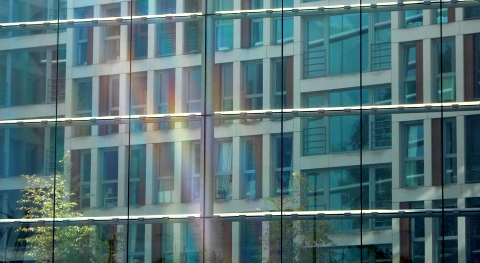 Długi firm wobec partnerów biznesowych i banków wzrosły do 32,5 mld zł