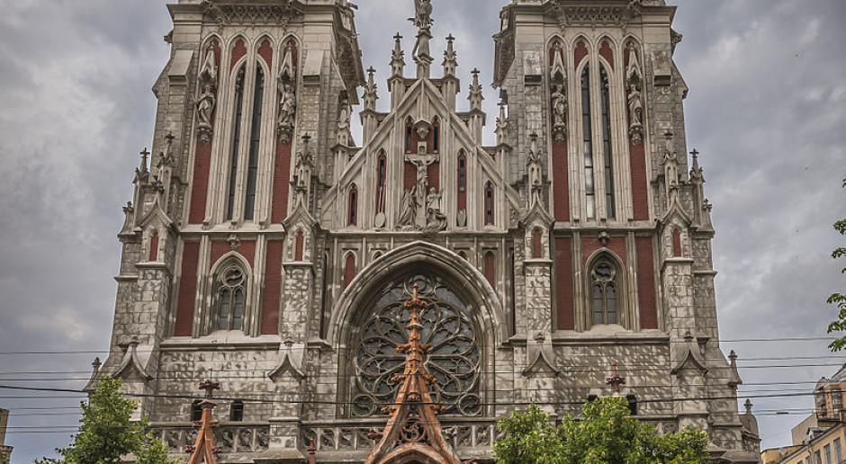 Nie będzie pokazu mody w kościele w Kijowie