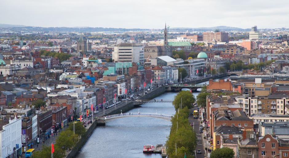 Irlandia wprowadza niemal pełny lockdown