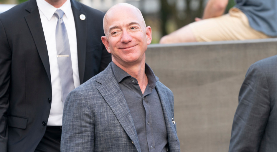 Jeff Bezos powiększa majątek. Pomaga mu pandemia COVID-19