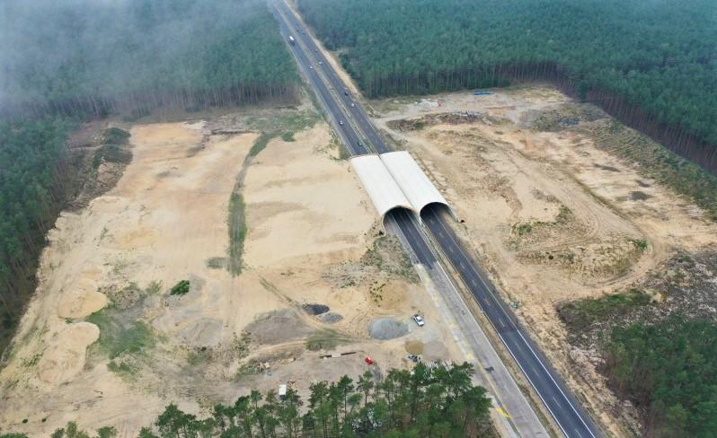Niedokończona budowa przejścia dla zwierząt na A6 Dąbie - Rzęśnica, gdzie wykonawcą był Energopol-Szczecin. Fot. GDDKiA