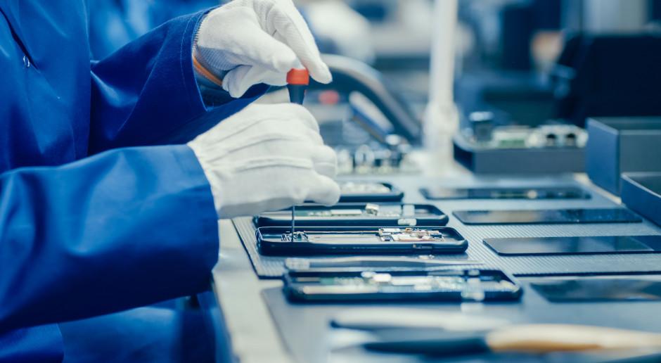 Huawei reaguje na koronawirusa bezpłatnym serwisem door-to-door