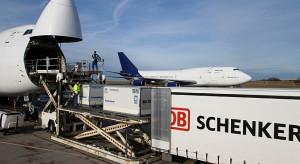14 miesięcy spadku lotniczego cargo