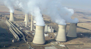 Położony na drugim końcu świata koncern energetyczny może uderzyć po kieszeni także Polaków