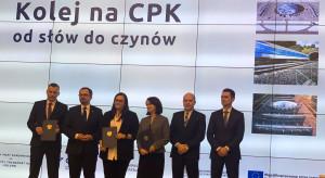 Nowa linia kolejowa do polskiego megalotniska. Jest umowa na pierwszy odcinek