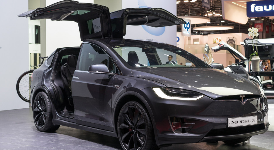 Tesla nie nadąża z produkcją elektrycznych aut