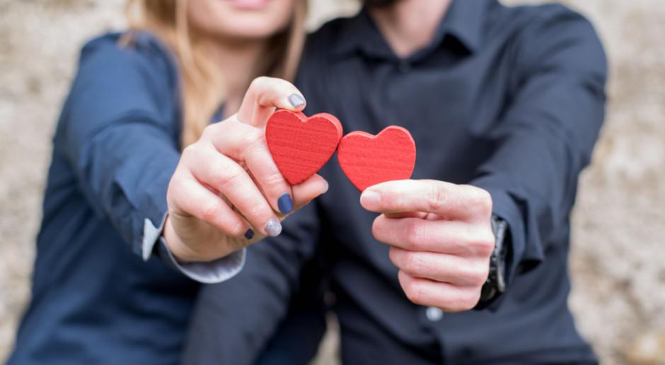 PIE: W tym roku zakochani wydadzą mniej na Walentynki