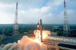 Polak wysyła w kosmos trzy nowe satelity
