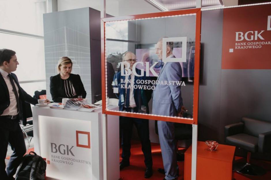 Wprowadzone przez BGK w pandemicznym 2020 roku programy pomocowe dla firm wciąż dostępne są dla przedsiębiorców. Można z nich skorzystać do połowy tego roku (fot. mat. pras.)