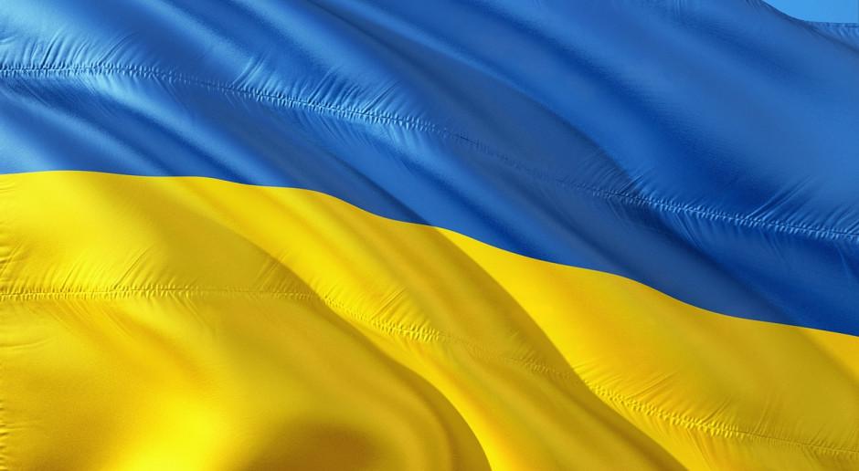Spada poparcie dla władz na Ukrainie, możliwa zmiana premiera