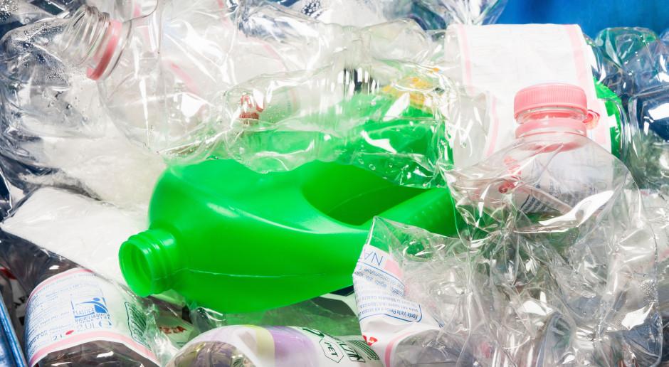 Unijne fiasko recyklingu opakowań z tworzyw sztucznych realnym scenariuszem