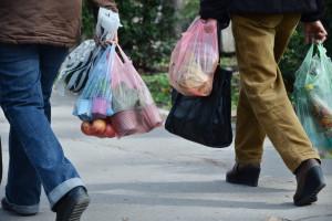Resort klimatu: zużywamy coraz mniej toreb foliowych