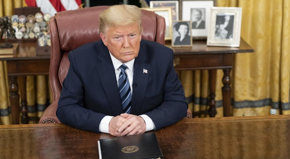 Trump zaleca, by unikać spotkań z udziałem więcej niż 10 osób